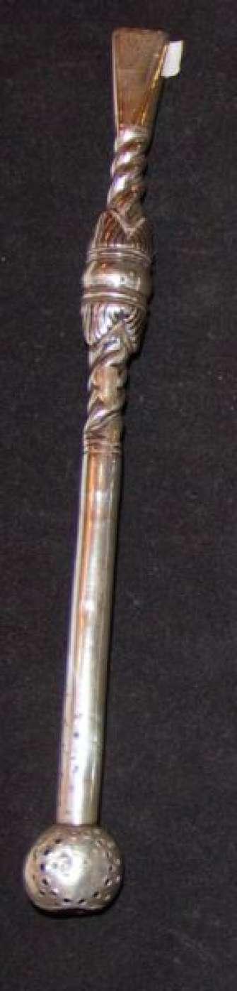 Bombillas realizadas en  plata pura. Antiguas